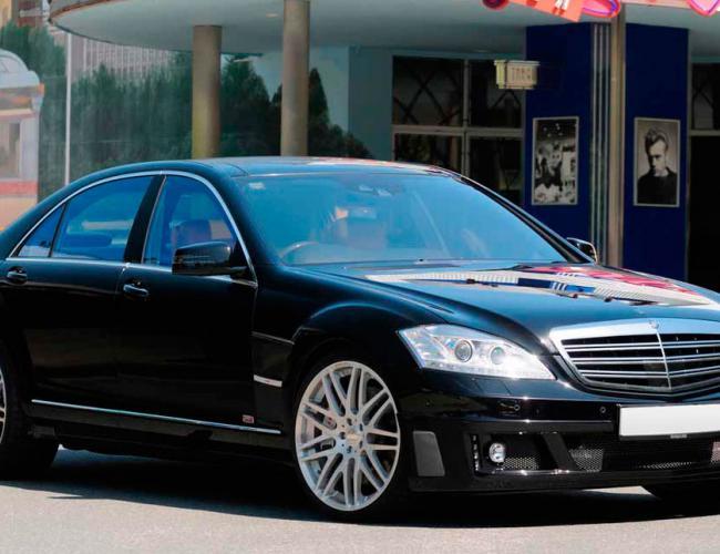 Автомобиль Мерседес Бенц В221 в аренду с водителем