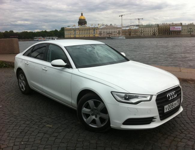 Автомобиль Ауди А6 белая в аренду в СПб
