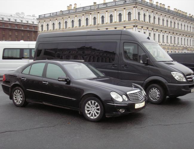 Автомобиль Мерседес В211 в аренду с водителем